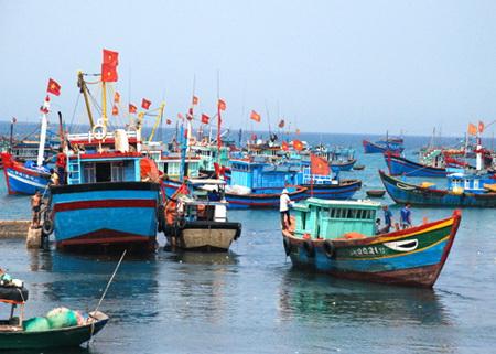 """Ca khúc """"Vầng trăng trên biển đảo"""" của Nguyễn Văn Thơ"""