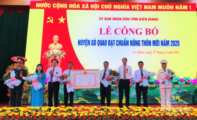 Trong khó khăn, nông thôn mới Kiên Giang vẫn khởi sắc