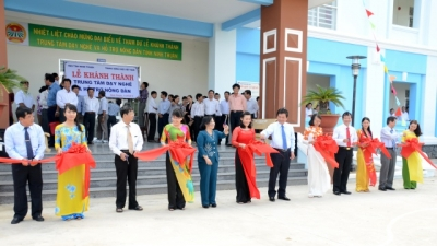 Ninh Thuan: A ribbon-cutting ceremony was held for a new Vocational Training and Supporting Service for Farmers Center