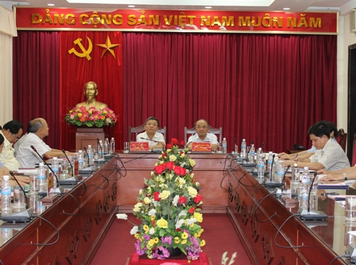 Mr. Nguyen Quoc Cuong, Chairman of Vietnam Farmers Union held talks with Ha Tinh National Assembly delegation