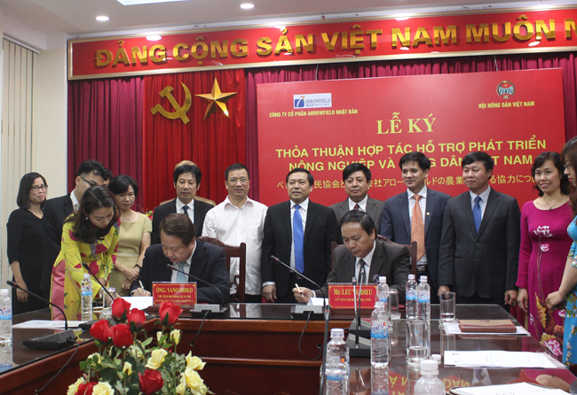 VNFU and Arrowfield signed cooperation agreement in supporting the development of agriculture and farmers in Vietnam