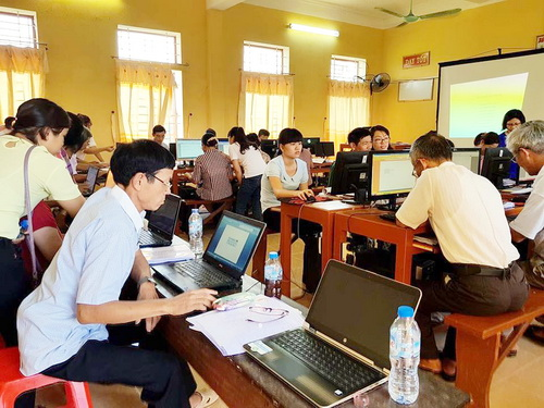 Nam Dinh Province: Enhancing computer and smartphone skills for 200 members and farmers