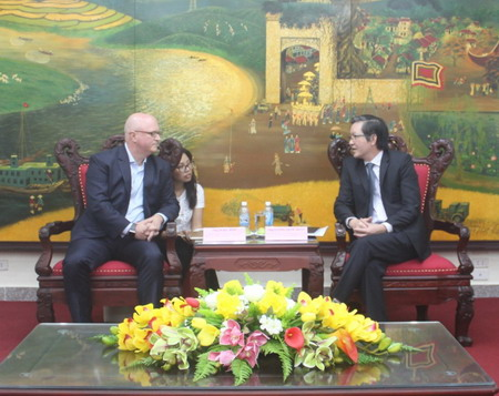 VNFU - CropLife Asia: Collaboration to bring global quality plant protection products in the fields of Vietnam