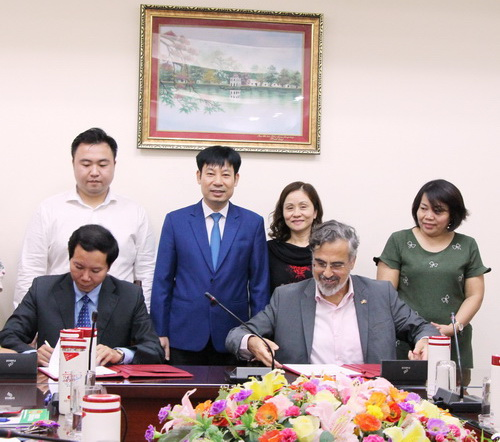 VNFU-GIZ: Signing a cooperation project on supporting Vietnamese farmers