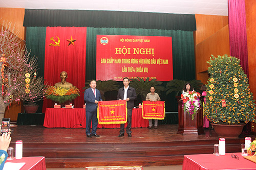 VNFU Chairman: Being active, creative, making efforts to support farmers
