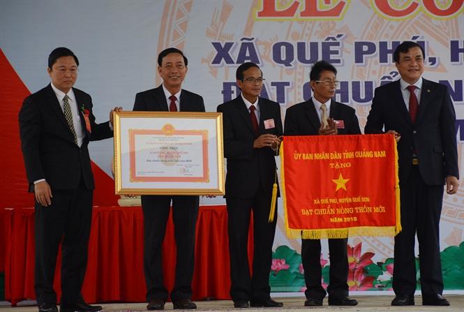 Thủ tướng Nguyễn Xuân Phúc tham dự lễ công nhận xã Quế Phú đạt chuẩn NTM