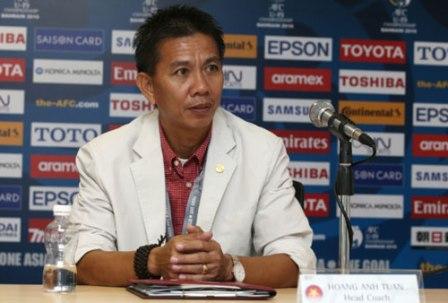 HLV Hoàng Anh Tuấn nói gì khi U19 Việt Nam vào tứ kết?
