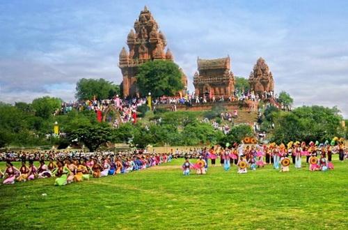 Niềm vui nhân đôi trong lễ hội Ka Tê của đồng bào Chăm Ninh Thuận