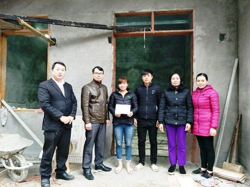 Hội Nông dân tỉnh Bắc Kạn ủng hộ hỗ trợ hội viên nông dân nghèo làm nhà ở