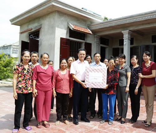 Hội ND Ninh Bình: Bàn giao Mái ấm nông dân cho hội viên, nông dân xã Yên Mỹ