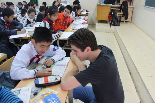 Xử phạt người nước ngoài làm việc chui tại Việt Nam