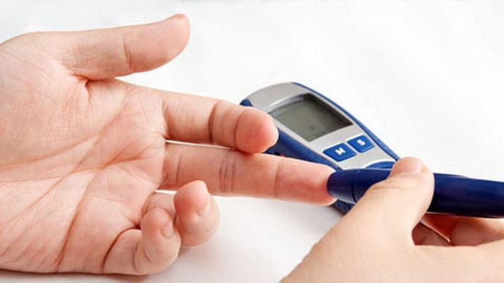 Làm gì để giảm biến chứng do đái tháo đường?