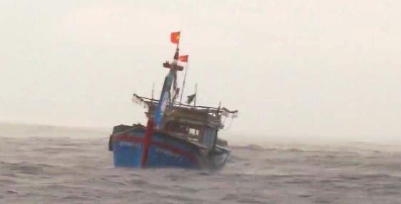 Không khí lạnh gây gió mạnh trên biển Đông, ngành chức năng phải ra văn bản cảnh báo
