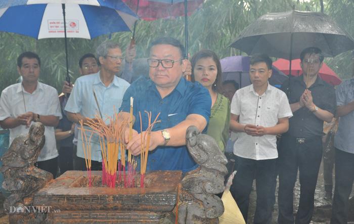 Đoàn cán bộ Trung ương Hội Nông dân về nguồn thăm di tích lịch sử cách mạng và Ban Nông vận Trung ương